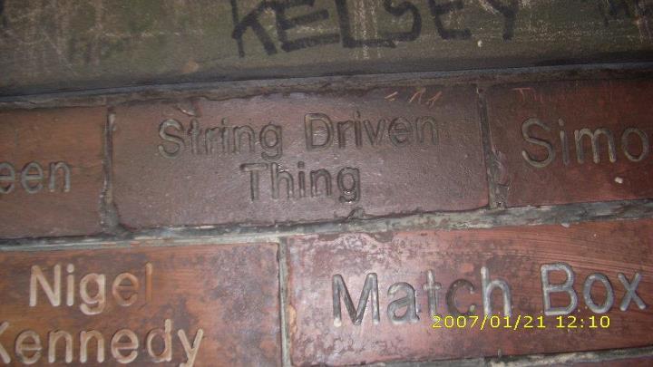 http://www.stringdriventhing.co.uk/wp-content/uploads/2012/07/SDT-Cavern.jpg